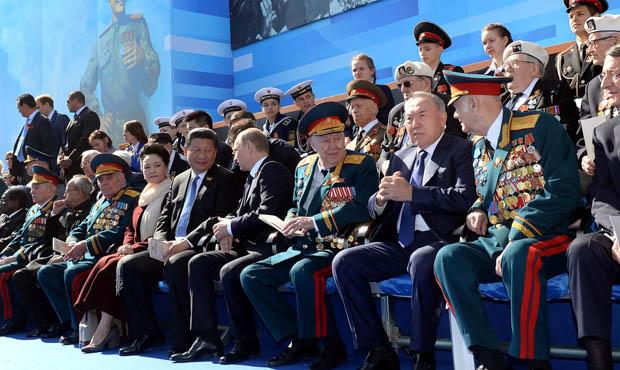 Управделами президента заключило задним числом контракт на освещение Дня Победы